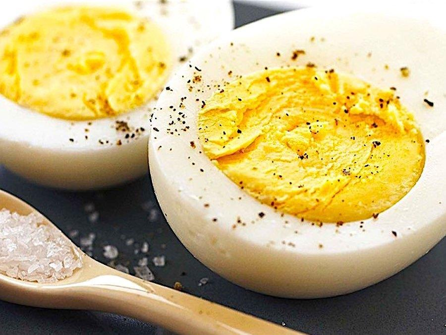 9 Ways To Eat Hard-Boiled Eggs That You've Never Thought Of Before | HuffPost Life
