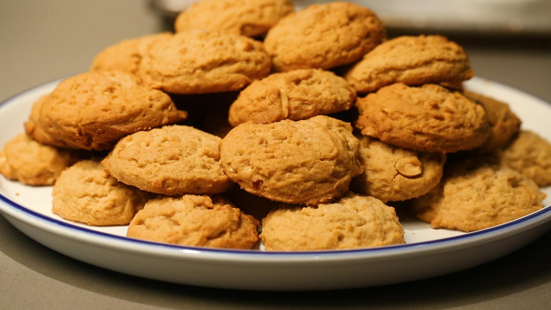 How To Make The Most Peanut Butter-y Cookies For National PB Day