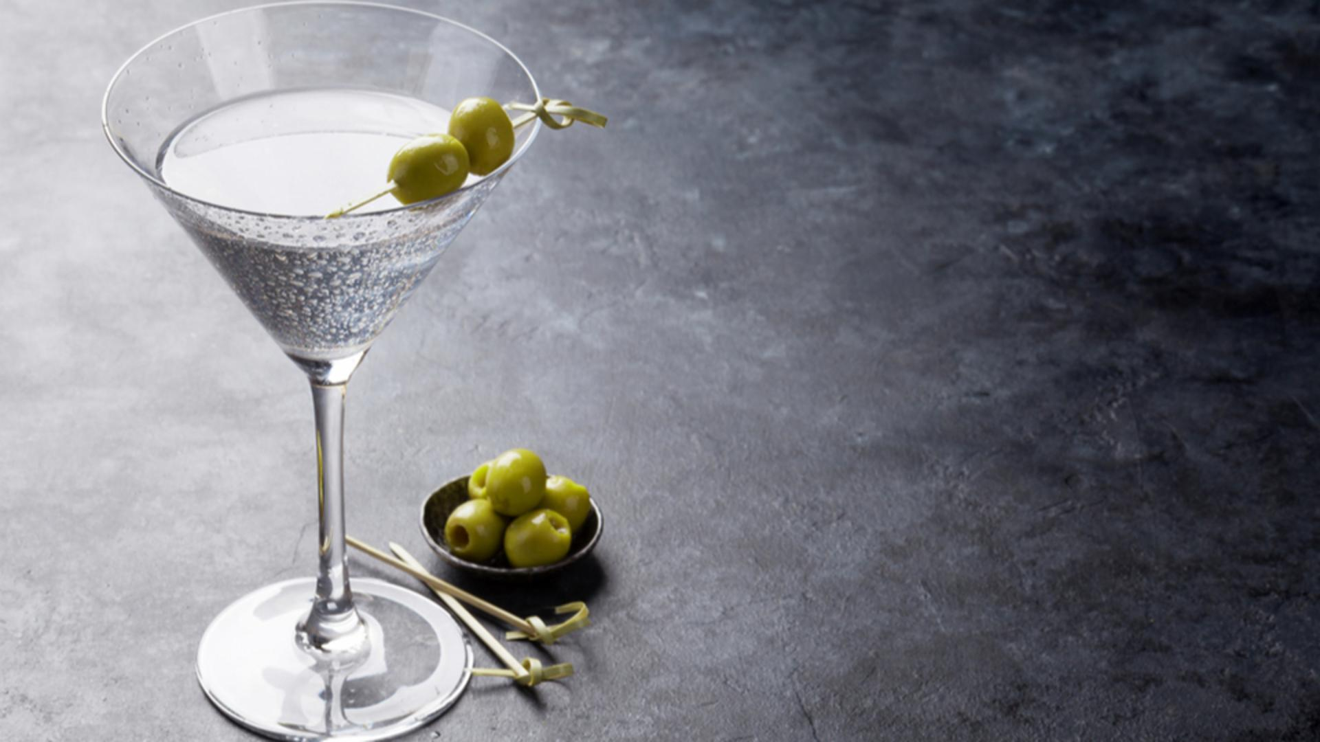 How To Order A Martini Like A Total Pro | HuffPost Life