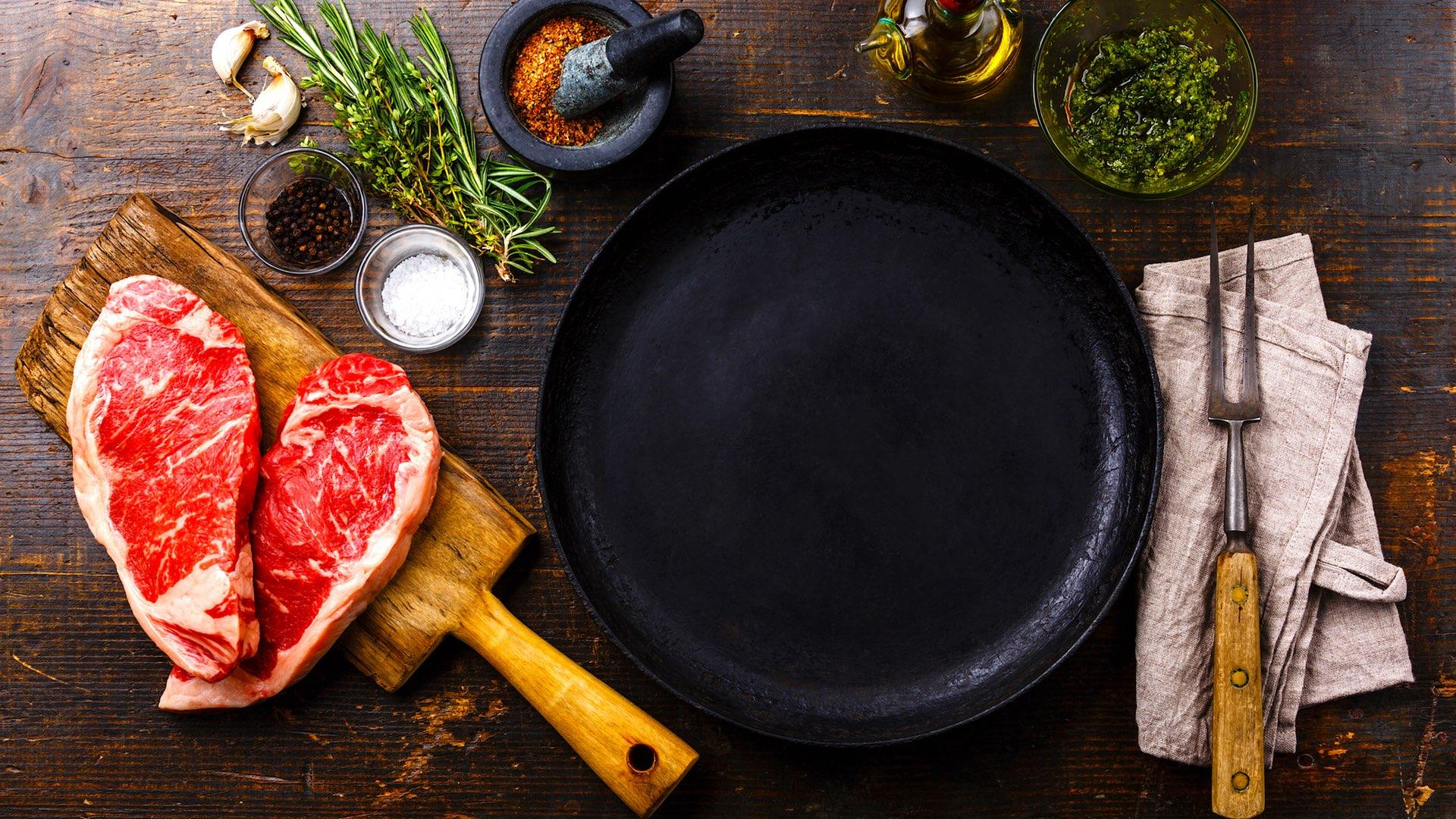 Think Twice Before Cooking Tomatoes In Your Cast Iron Skillet | HuffPost Life