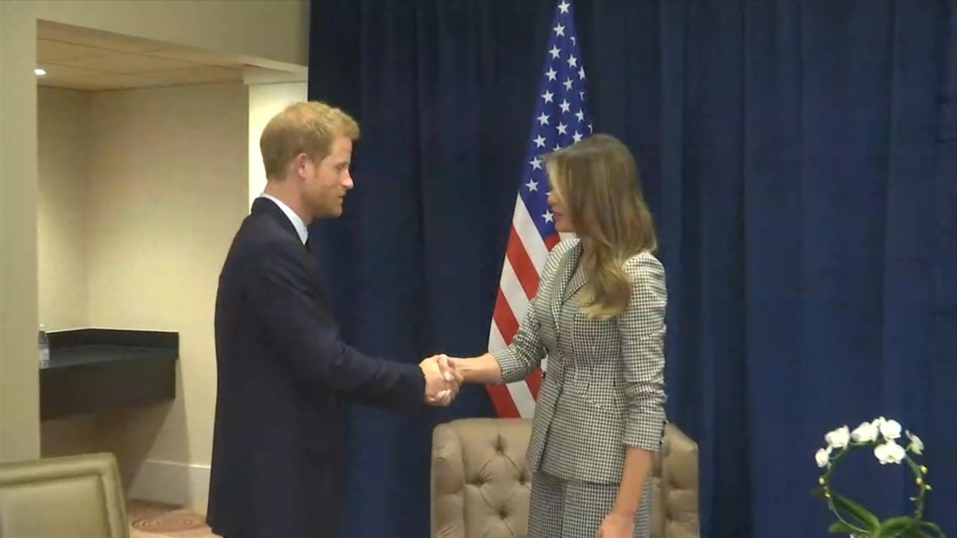 Body Language Experts Explain Prince Harry's Strange Pose With Melania Trump | HuffPost Life