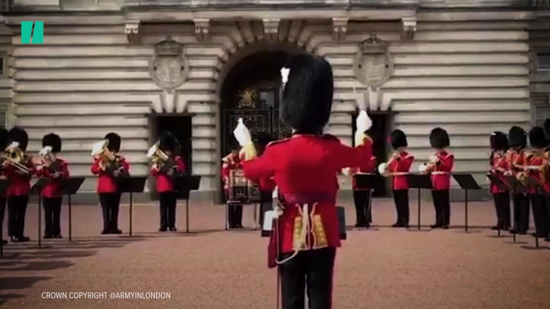 Changing Of The Guard Showed Aretha Franklin Respect On The Day Of Her Funeral