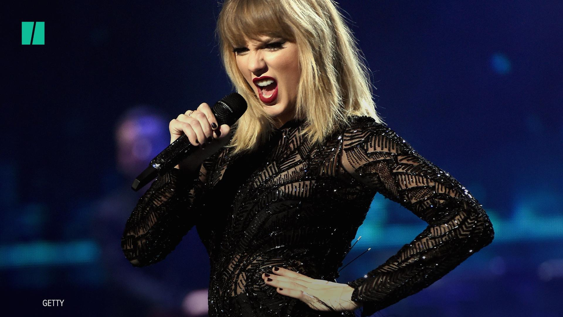 Mike Huckabee Dismisses Taylor Swift's Political Endorsement Because '13-Year-Old Girls' Can't Vote