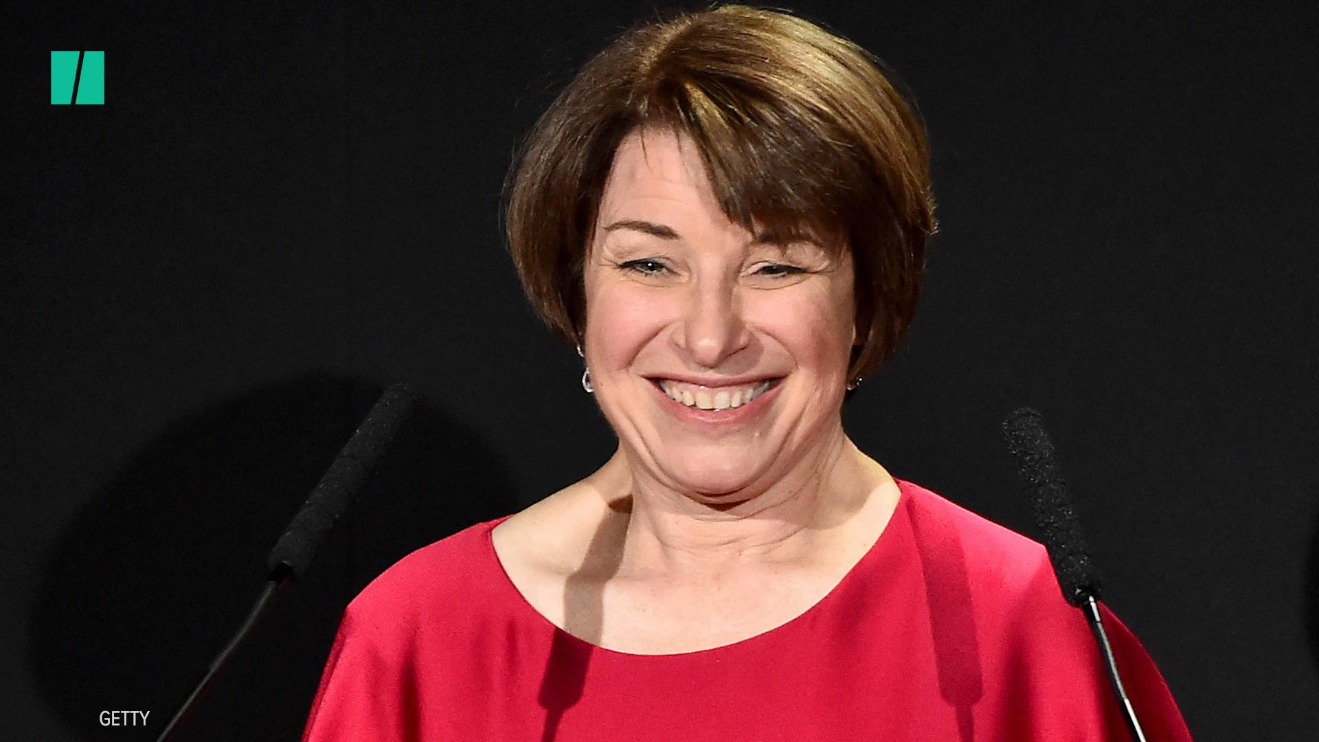 Amy Klobucher Screamed At An Aide And Then Ate Her Salad With A Comb