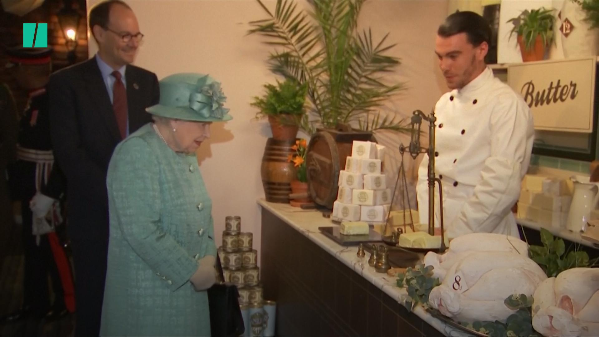 The Queen Had A Curious Response To Seeing A Self-Service Till For The First Time