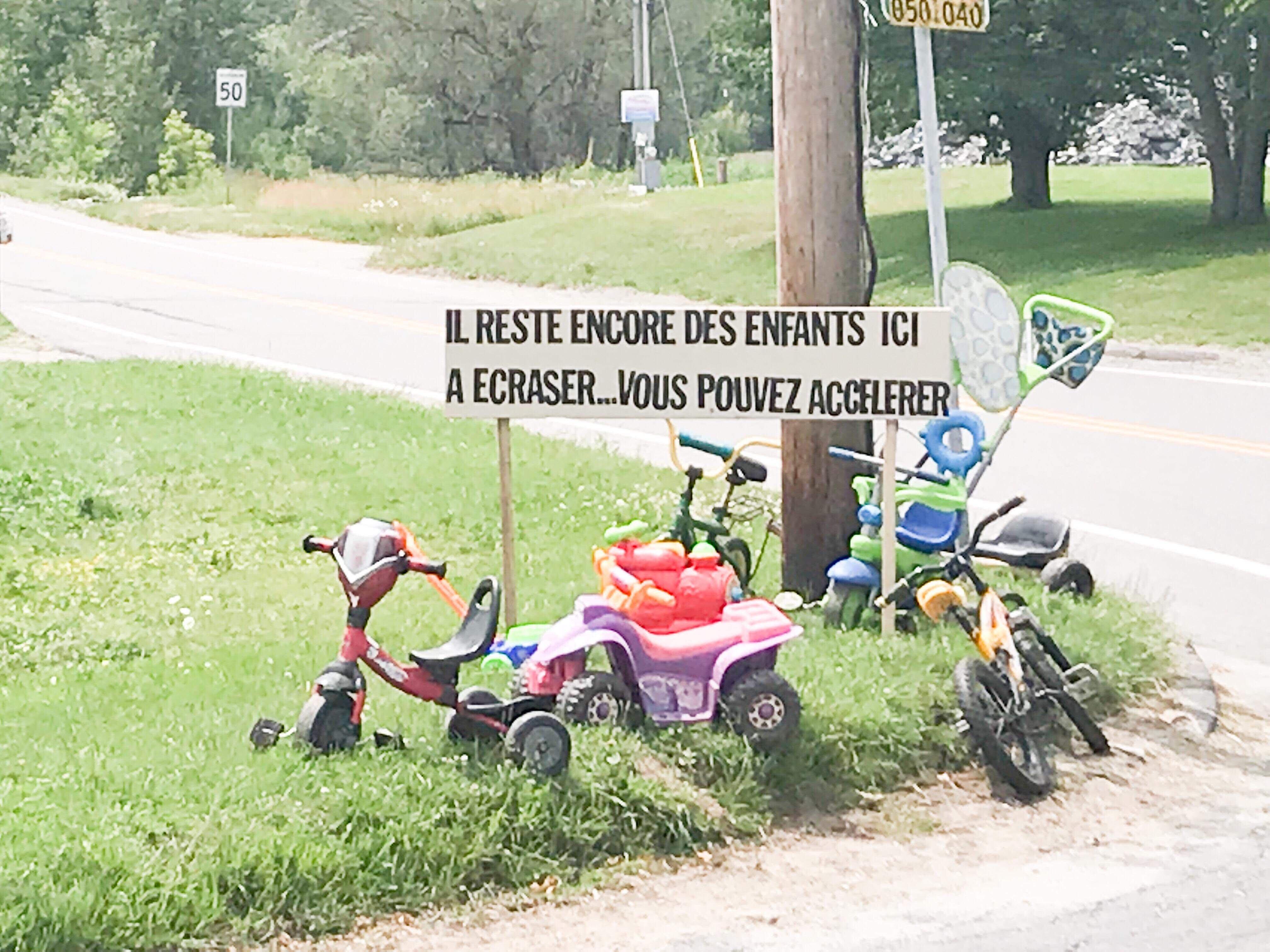 Une affiche-choc pour éviter que des enfants soient frappés