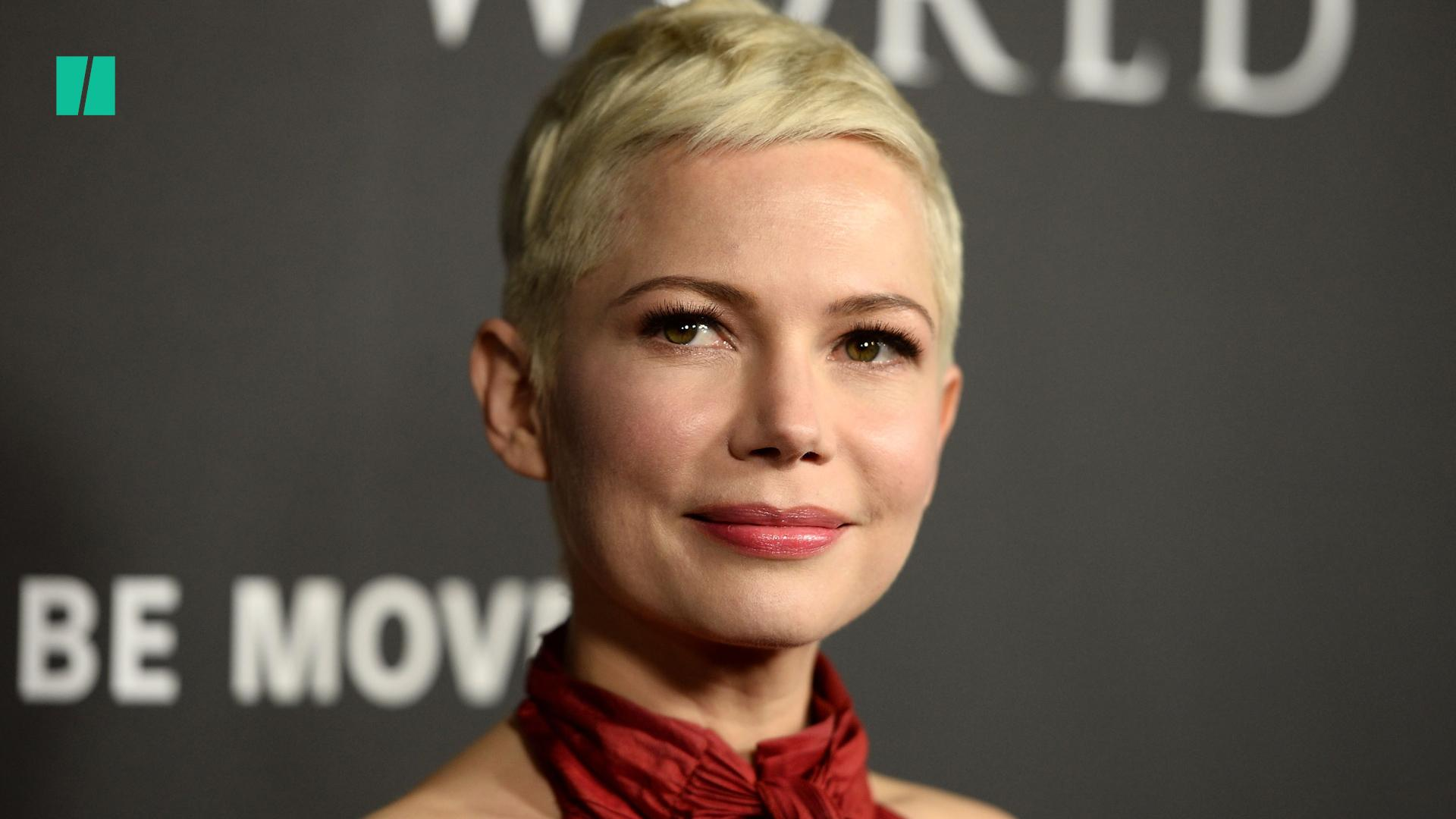 Michelle Williams Brings Busy Philipps To Tears In Emmys Speech On Gender Equality