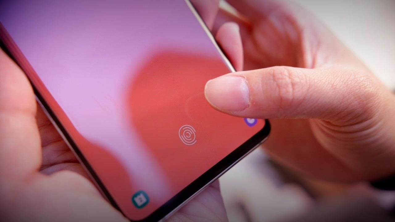 Samsung will fix bug that lets any fingerprint unlock a Galaxy S10