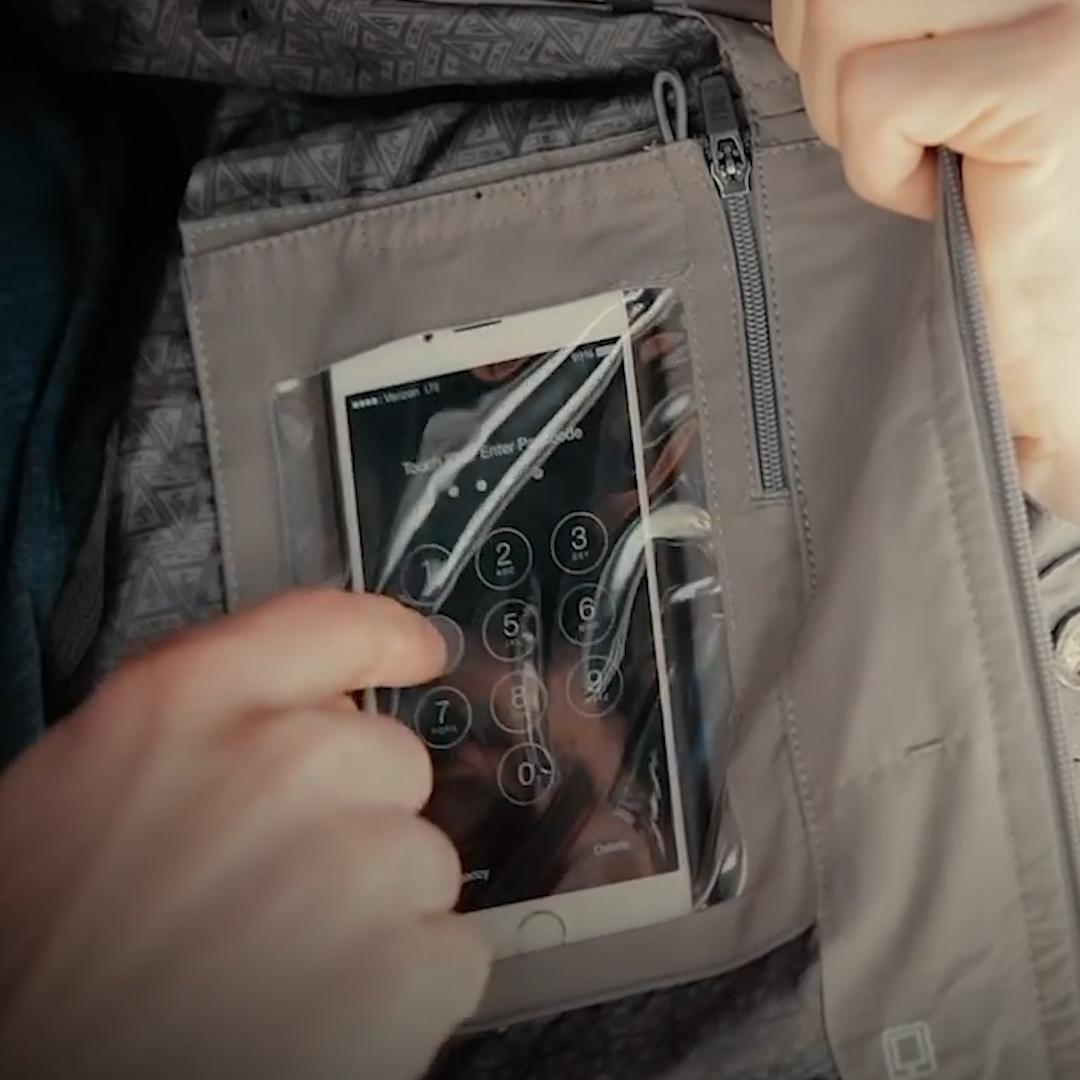This high-tech jacket has 25 pockets and RFID protection: 'The perfect jacket for travel'